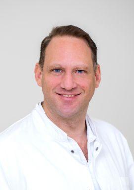 Foto von OA Dr. Gunter Riedmüller